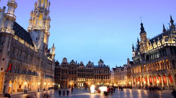 pigūs skrydžiai į Briuselį